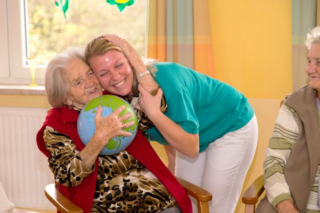 Bewohner und Pfleger der Tagespflege in Schleusingen